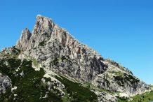 Sass de Stria (m 2477) e Settsass (m 2571)
